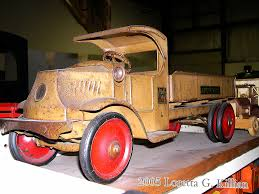 Old Mack Truck Toy | Peachhead (5,000,000 Views!) | Flickr