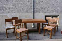 White Oval Saarinen Tulip Table Plus Four Chairs From The 1960s On Kijiji Montreal
