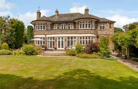 100 Crescent House For Sale In 28 Foxhill Mowing Acre LS16 Harrogate