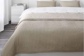 couvre canapé ikéa dessus de lit alinea id es rideaux and couvre lits ikea photo