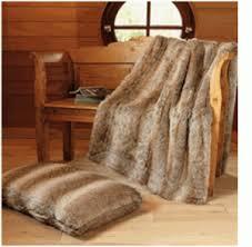 plaids fausse fourrure pour canapé couverture fausse fourrure stunning plaid marron x n with