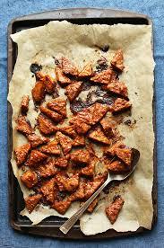 cuisiner le tempeh marinated peanut baked tempeh minimalist baker recipes
