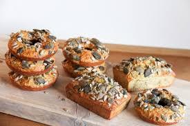 saftiges glutenfreies glutenfreies low carb brot minibrot oder bagels optinal vegan