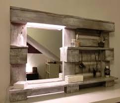 diy spiegel für das badezimmer aus einer palette gebaut