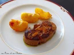 cuisiner un foie gras cru foie gras poêlé aux pommes et piment d espelette au four au