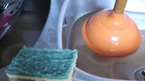 comment d饕oucher une canalisation de cuisine comment déboucher un évier avec une ventouse bricolage