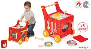 cuisine en jouet chariot de cuisine the cocotte jouet en bois janod