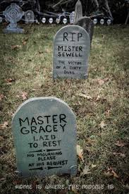 Spooky Halloween Tombstone Names by 13 Disney Nights Of Halloween 10 Diy Disney Villain Tombstone