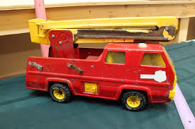 Vintage Metal Tonka Fire Truck Tonka 1964 Fire Truck Hydrant 100 Original Patina One Owner Nice Vintage 1955 Tonka No 950 6 Suburban Pumper Fire Truck With Fire Truck On Shoppinder Metal Firetruck Vintage Articulated Toy Superior Auction 5 Water 1908254263 Suburban 1963 Paint Real Dept Hose Ladder Tfd A Sliding Ladder Vintage Toys Hydrant Wwwtopsimagescom Toys 1972 Aerial Photo Charlie R Claywell