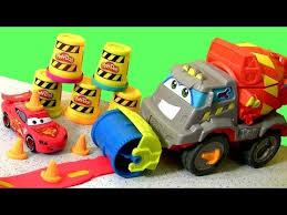 cars pate a modeler play doh max the cement mixer truck play dough camión mezclador