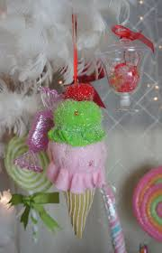 Whoville Christmas Tree Ornaments by 1223 Best Navidad Images On Pinterest Christmas Decorations
