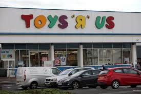 toys r us siege social hundreds of toys r us at risk with 26 uk stores to