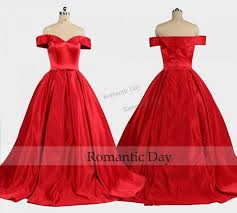 Elegant Boat Neckline Red Ball Gown Palace Vintage Dresses Queen Dress Custom Made 0457