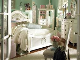 Country Furniture Idea Classic Bedroom With Feat Carved Wood Four Posters Bed And