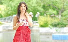 Download Kriti Kharbanda HD Wallpaper