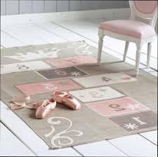 tapis chambre garon pas cher tapis chambre bebe beige stella