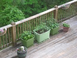 Rubbermaid Patio Storage Bins by Back Porch Garden Rubbermaid Container Garden