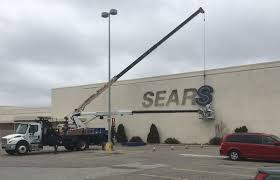 End Of A Kokomo Era: Sears Closes | | Kokomotribune.com Dan Young In Tipton A Kokomo Carmel And Nobsville In Chevrolet Extang Home Facebook For Used Forklifts Aerial Lifts Get Affordable Productivity At New Dodge Dakota Autocom Mike Anderson Cars Circa November 2016 Ups Store Location Is The Stock Truxedo Truck Bed Covers Productservice 1142 Photos Rental Images Alamy Sno Co Indiana Tornadoes 8 Twisters Raked The State Thousands Without Is Worlds End Of A Era Sears Closes Kotribunecom