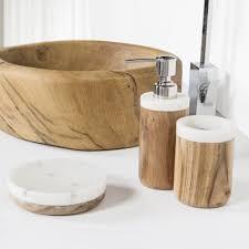 modernes badzubehör set aus marmor prajat design