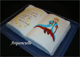 livre pate a sucre gâteau en pâte à sucre décor livre du petit prince les