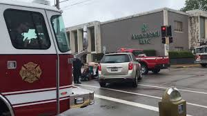 Video News: Person Hit By Car In Belleville IL | The News Tribune Iteam Trucks Identified In Deadly I55 Nb Crash At Arsenal Rd New Restaurant Bar Edwardsville Il Will Offer Craft Beer Taco Bell On American Inrstates Beelman Truck Company Flickr Trucking Reddaway Proposal P 201708 Take 2 Frameless Dump Youtube Wilson Trucking Corp Yenimescaleco Our Services Evrard Strang Cstruction