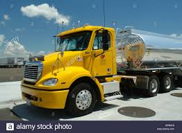 AJD50547, Heyburn, ID, Idaho, I-84, Gas Station, Yellow Freightliner ...
