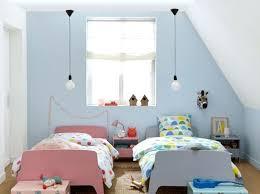 chambre enfant mixte chambre enfant peinture chambre denfant sous les combles chambre