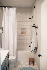 Small Bathroom Remodel Ideas On A Budget by Best 25 Small Bathroom Remodeling Ideas On Pinterest Tile For