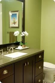 Best Paint Color For Bathroom Cabinets by Best 25 Green Wall Color Ideas On Pinterest Green Living Room