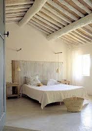chambre avec tete de lit déco chambre provençale avec tête de lit en canisse