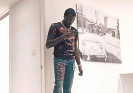 meek mill gets roasted for wearing gucci cropped jeans dancehall