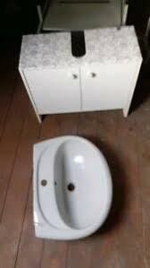 unterputzschrank für badezimmer mit türen