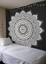 Best 25 Tapestry Bedroom Ideas On Pinterest Black Wall Dorm