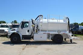 100 Used Vacuum Trucks 2004 Freightliner Business Class M2 TruckDOT