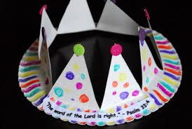 1 Paper Plate Crown Cubbies Bear Hug 10 AWANA Crafts 016
