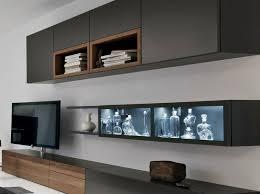 die moderne wohnwand ist praktisch und bietet viel stauraum
