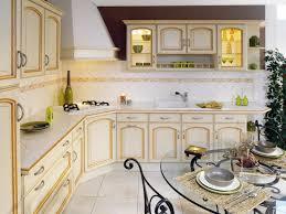 modele de cuisine equipee modele cuisine amenagee lenna blanc brillant3 modele bruges