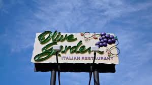 What 5 Dietitians Order at Olive Garden Health