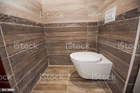 innenraum eines luxus messe haus bad wc stockfoto und mehr bilder badezimmer