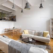 wohnzimmer mit zwei sofas stockfoto und mehr bilder architektur