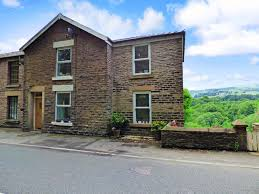100 What Is Detached House 3 Bedroom Semidetached For Sale In Gatescarth Canal