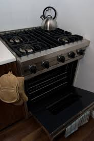 How to Light an Oven Pilot Light on Old Stoves