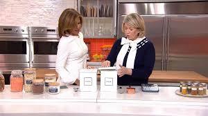 Martha Stewart shows how to your kitchen organized TODAY
