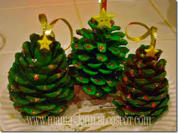 Pine Cone Christmas Tree Ornaments Crafts by 107 Best Decorated Pine Cones Images On Pinterest Diy Christmas