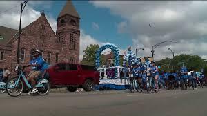 Brookfield Zoo Halloween Parade by Photos Wgn Tv U0027s 16th Annual Back To Kids Fair Wgn Tv