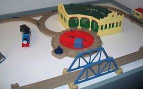 Trackmaster Tidmouth Sheds Ebay by Tidmouth Sheds With Track Layout Thomas Train Trackmaster Ebay