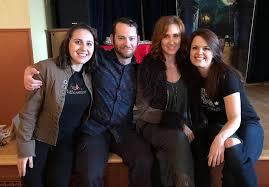 Halloween 2 Remake Cast by Halloweentown U0027 Cast Reunites To Honor Debbie Reynolds