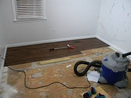 Laying Vinyl Tile Over Linoleum by Diy Install Vinyl Plank Flooring