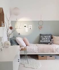 bild könnte enthalten tisch schlafzimmer und innenbereich