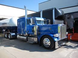 Custom Peterbilt Big Rig Truck 18wheeler